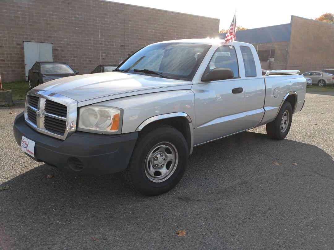 Pre-Owned 2005 DODGE DAKOTA ST Pickup