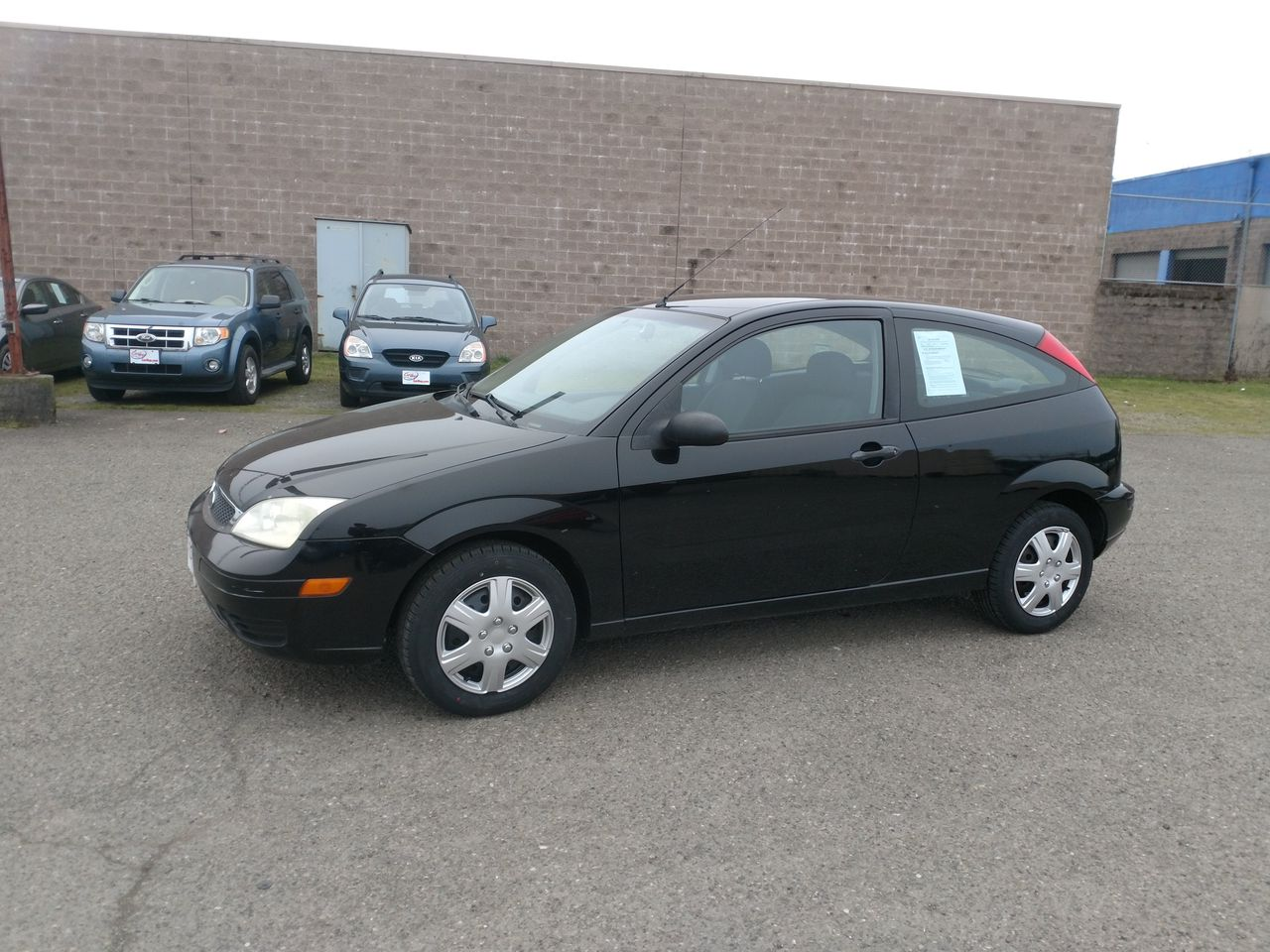 Pre-Owned 2005 FORD FOCUS ZX3 SE