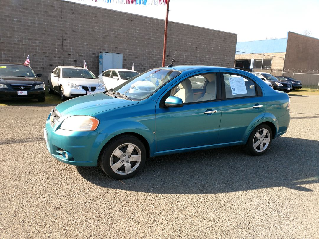 Pre-Owned 2009 CHEVROLET AVEO LT Sedan 4