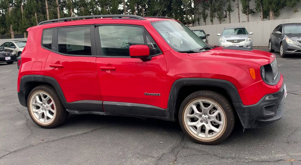 Pre-Owned 2017 JEEP RENEGADE LATITUDE S