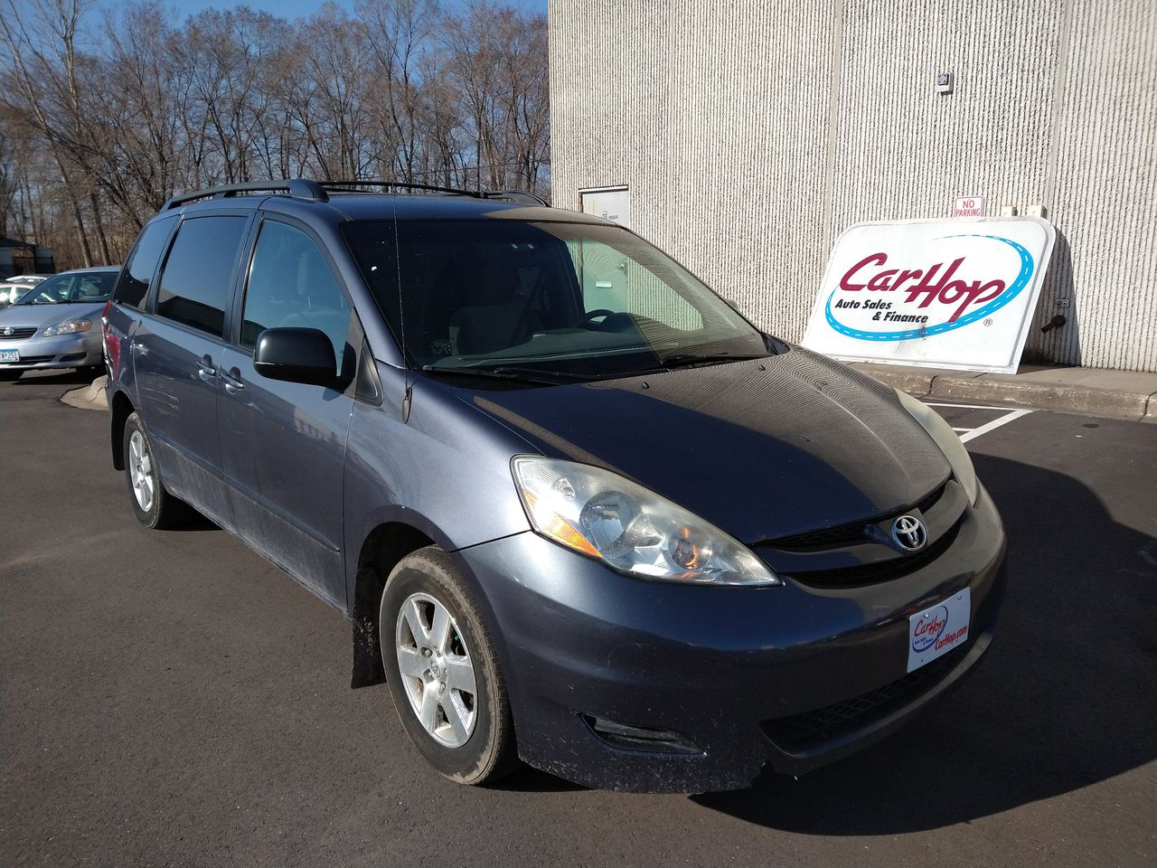 Pre-Owned 2006 TOYOTA SIENNA LE Minivan