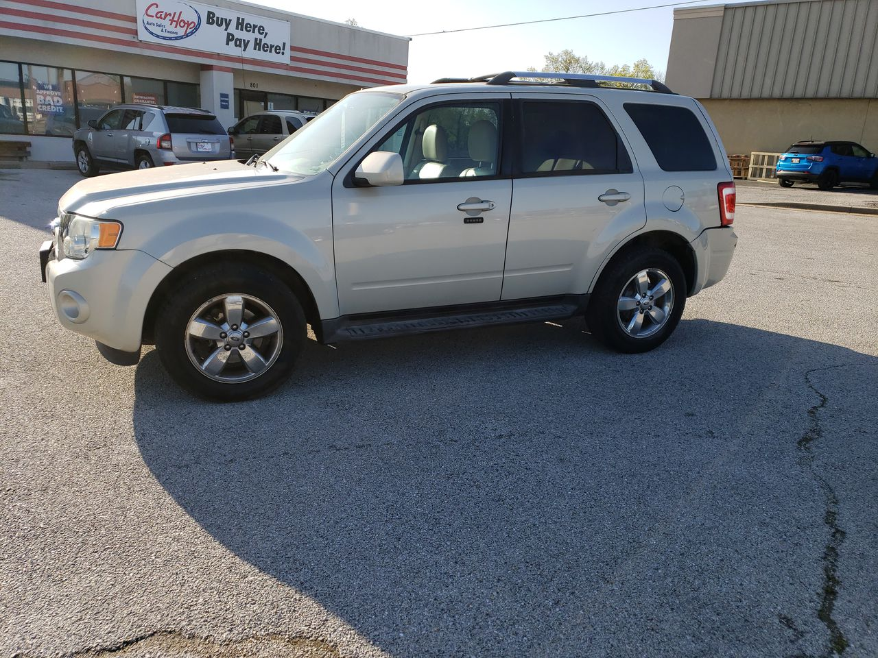 Pre-Owned 2009 FORD ESCAPE Limited Sp