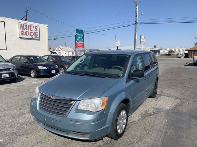 Pre-Owned 2008 CHRYSLER TOWN & COUNTRY LX Minivan