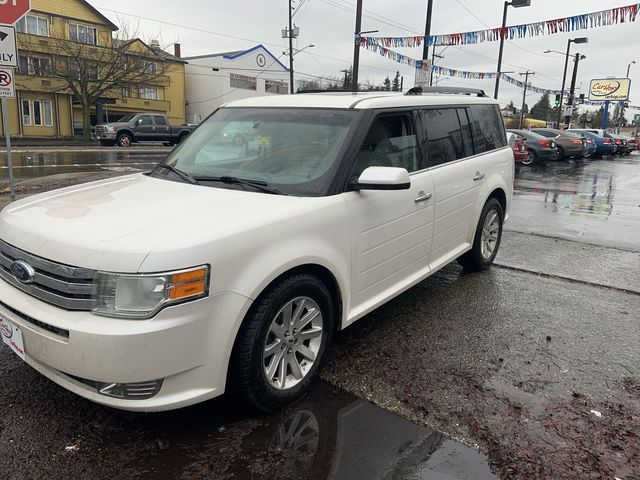 Pre-Owned 2009 FORD FLEX SEL Sport
