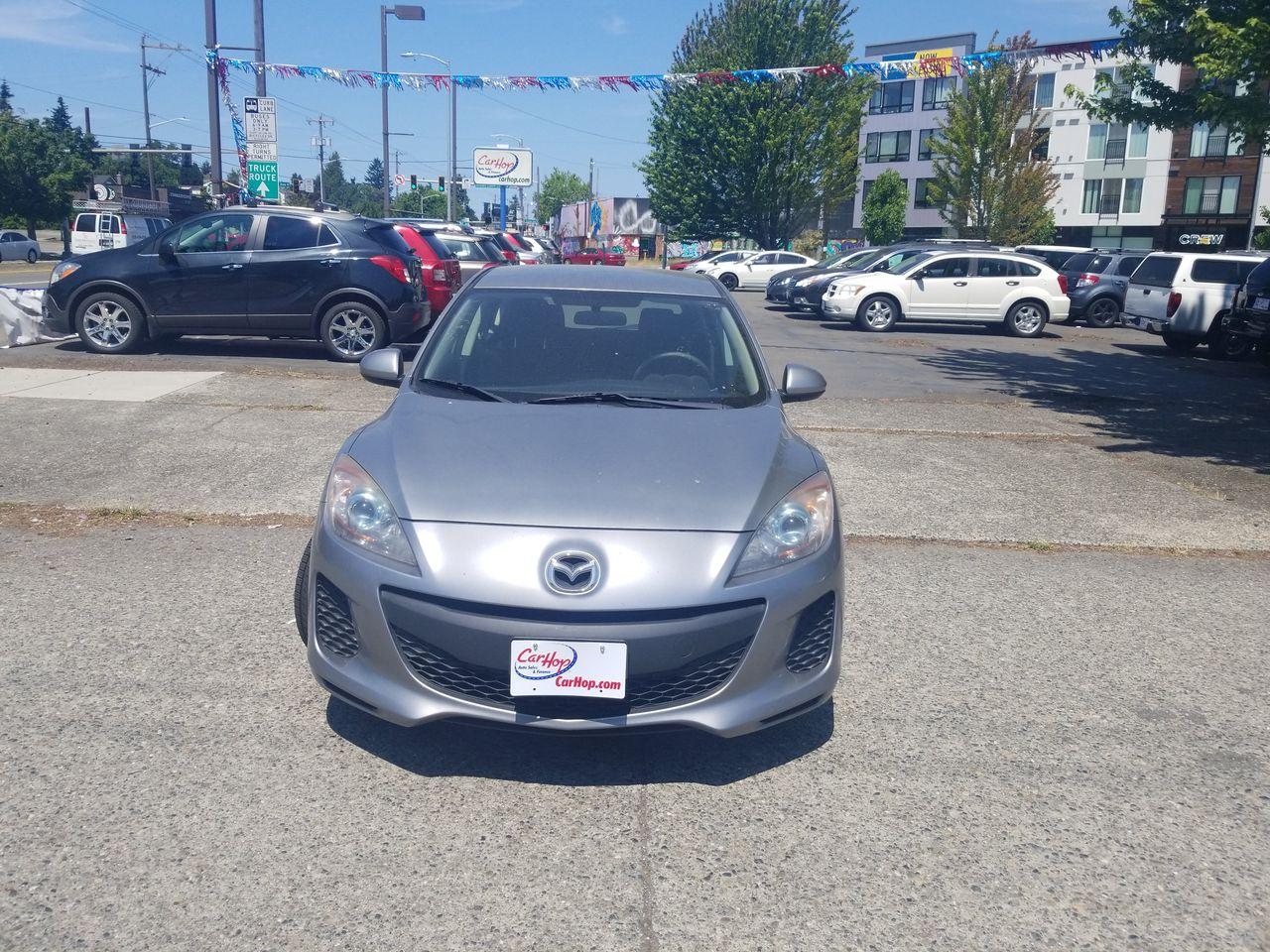 Pre-Owned 2012 MAZDA Mazda3 i Touring