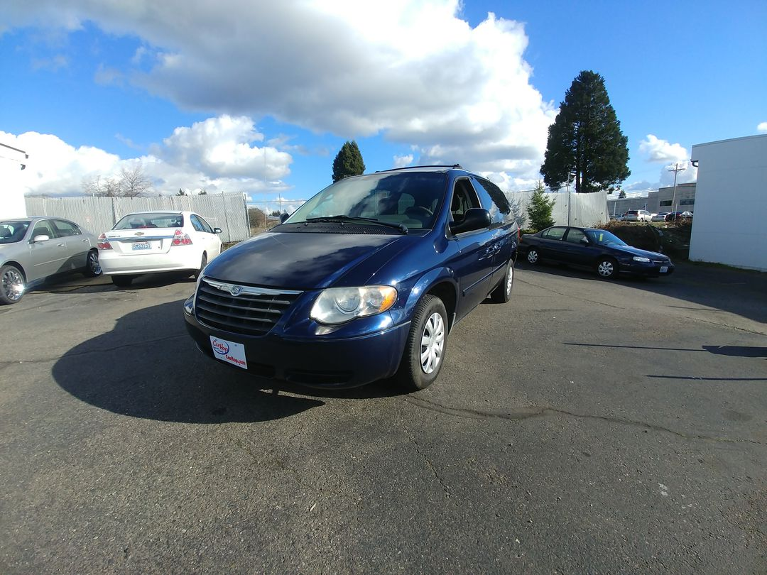 Pre-Owned 2005 CHRYSLER TOWN & COUNTRY LX Minivan