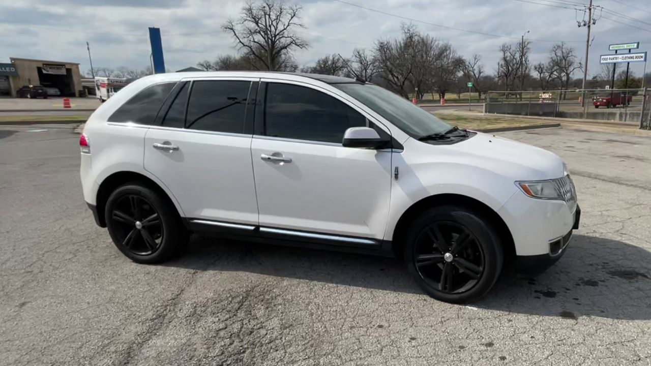 Pre-Owned 2011 LINCOLN MKX SPORT UTIL