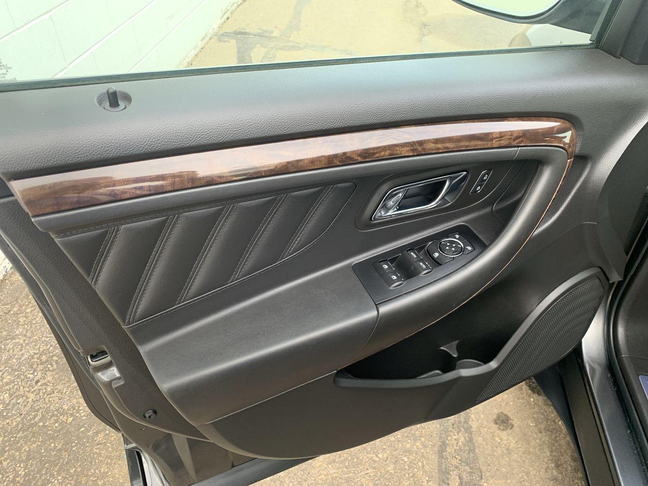 2018 Ford Taurus 4 Door Car