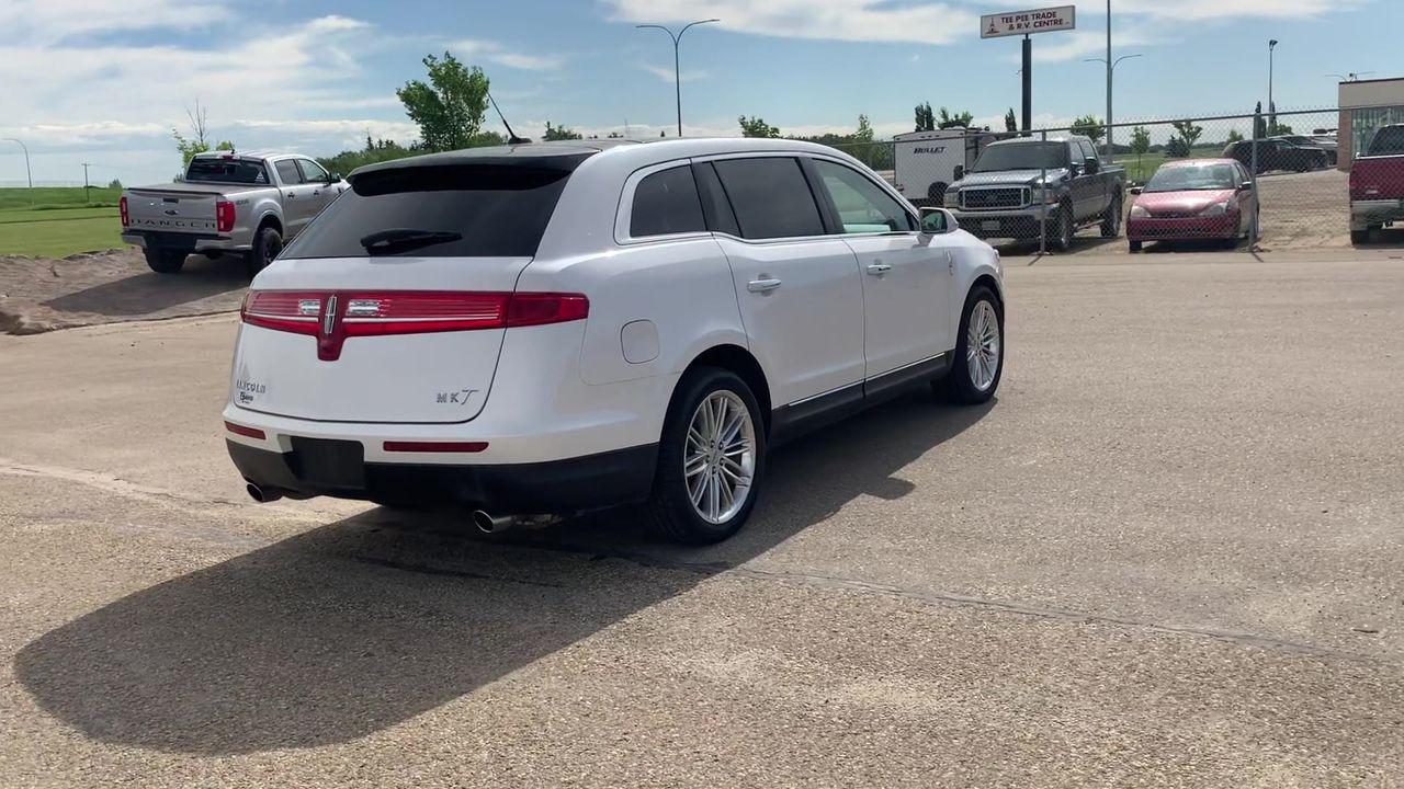 2019 Lincoln MKT RESERVE