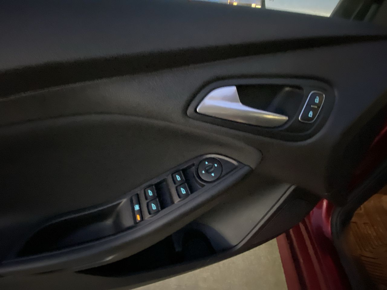 2017 Ford Focus SE Hatch  - Low Mileage