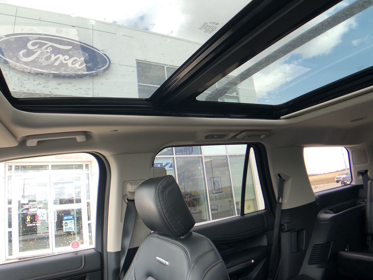 2019 Ford Expedition Platinum   - Low Mileage
