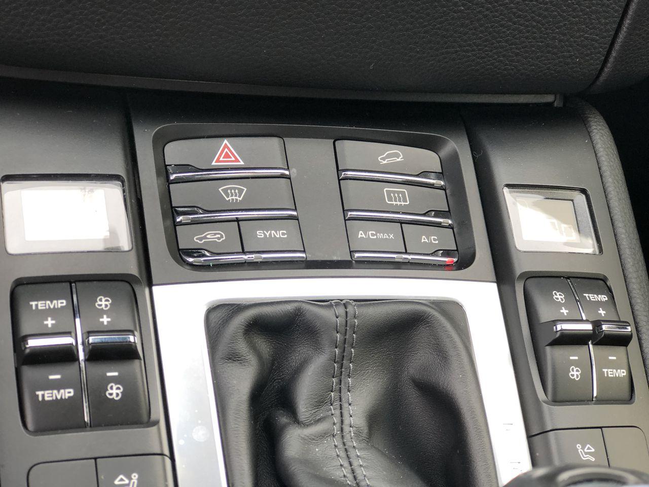 Pre-Owned 2018 Porsche Macan Sport Edition