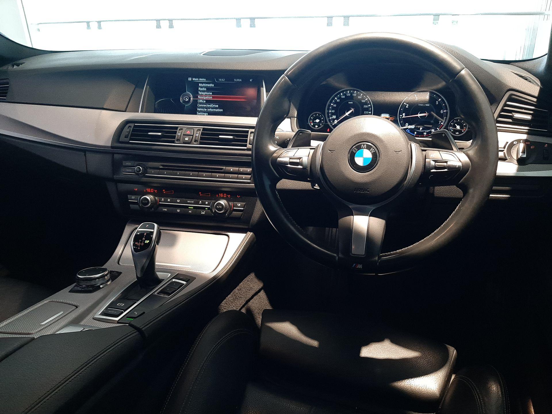 2016 BMW F10 528i LCI