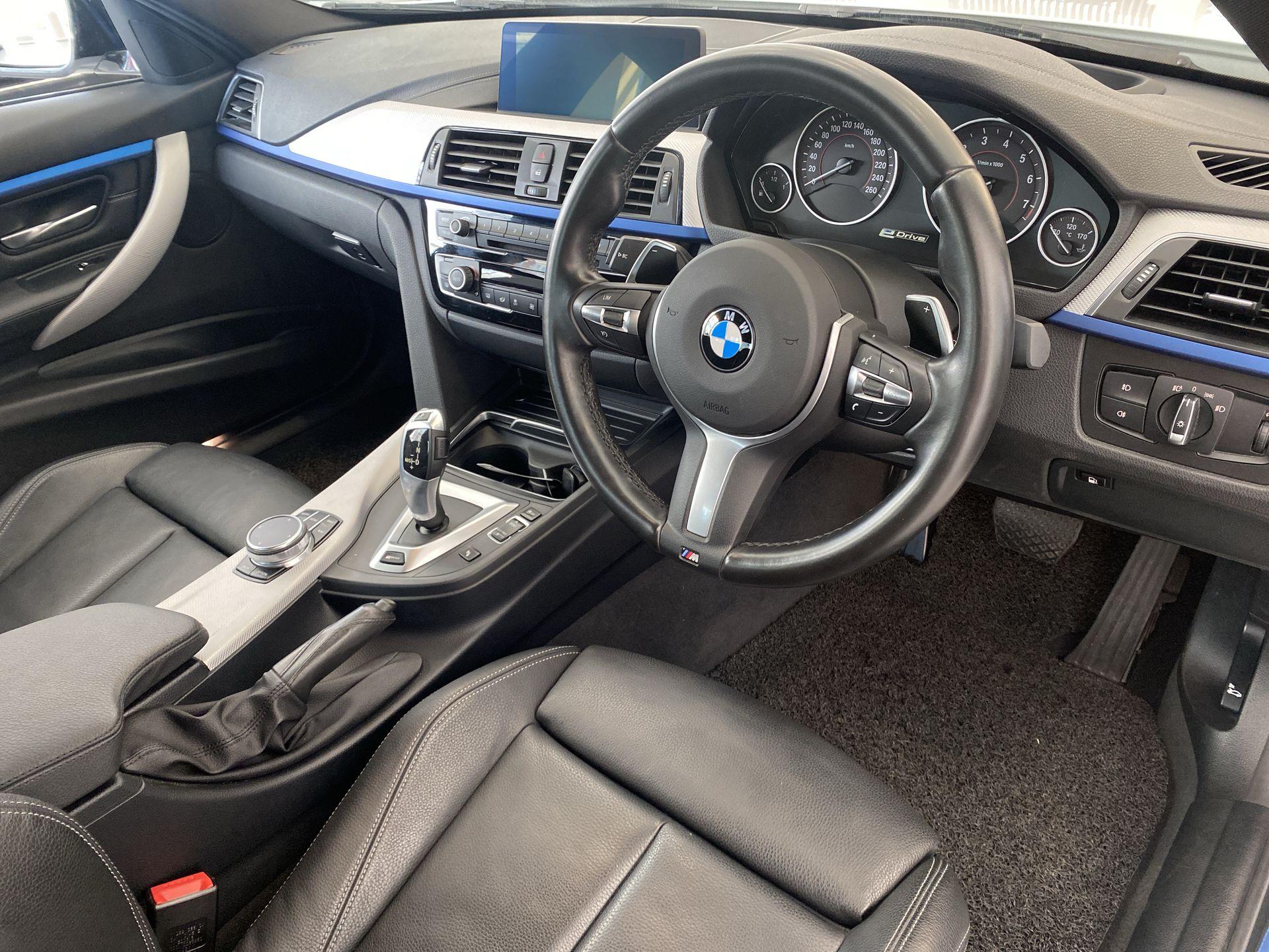 2018 BMW 330e M Sport