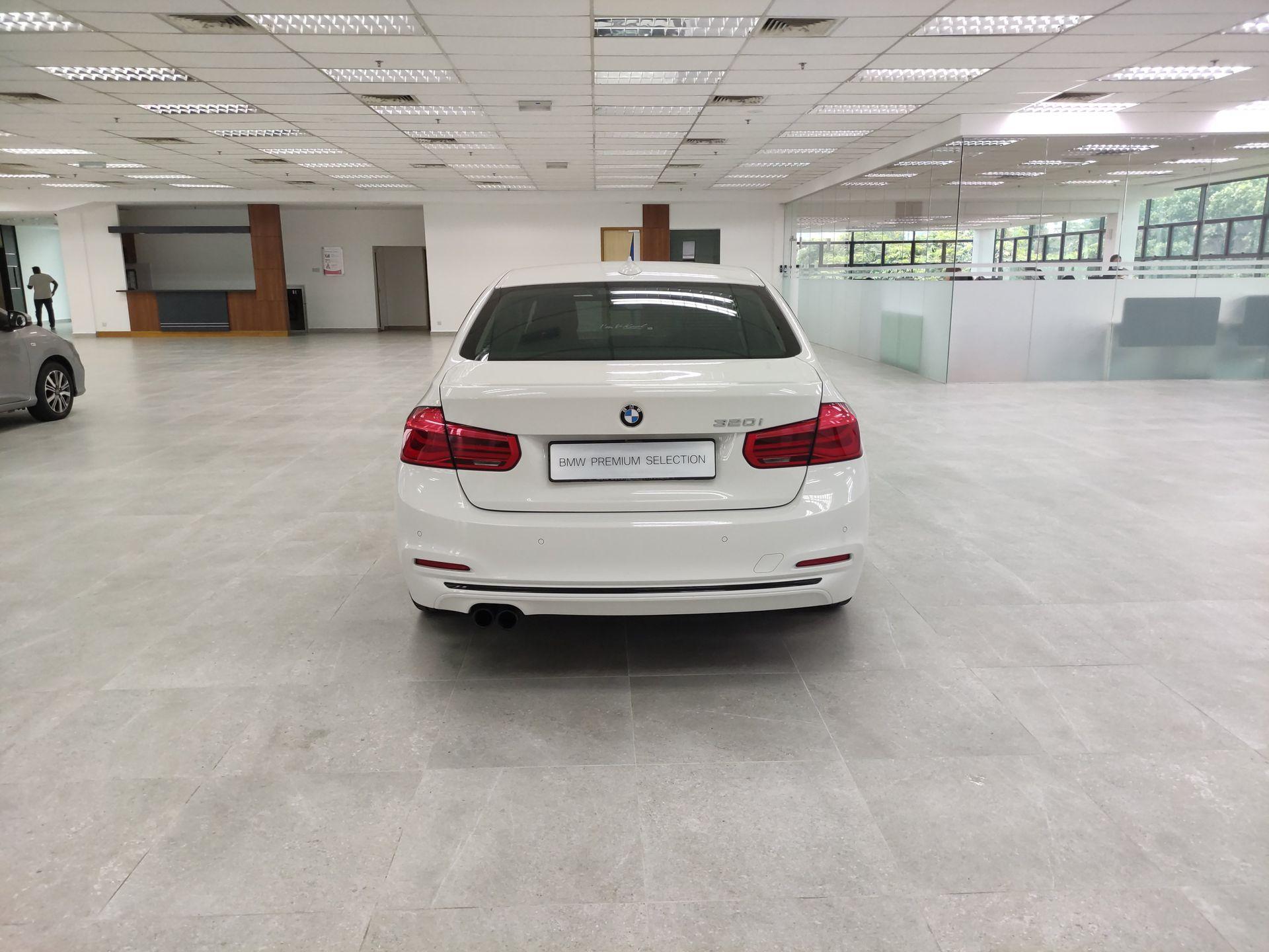 2016 BMW 320i Sport