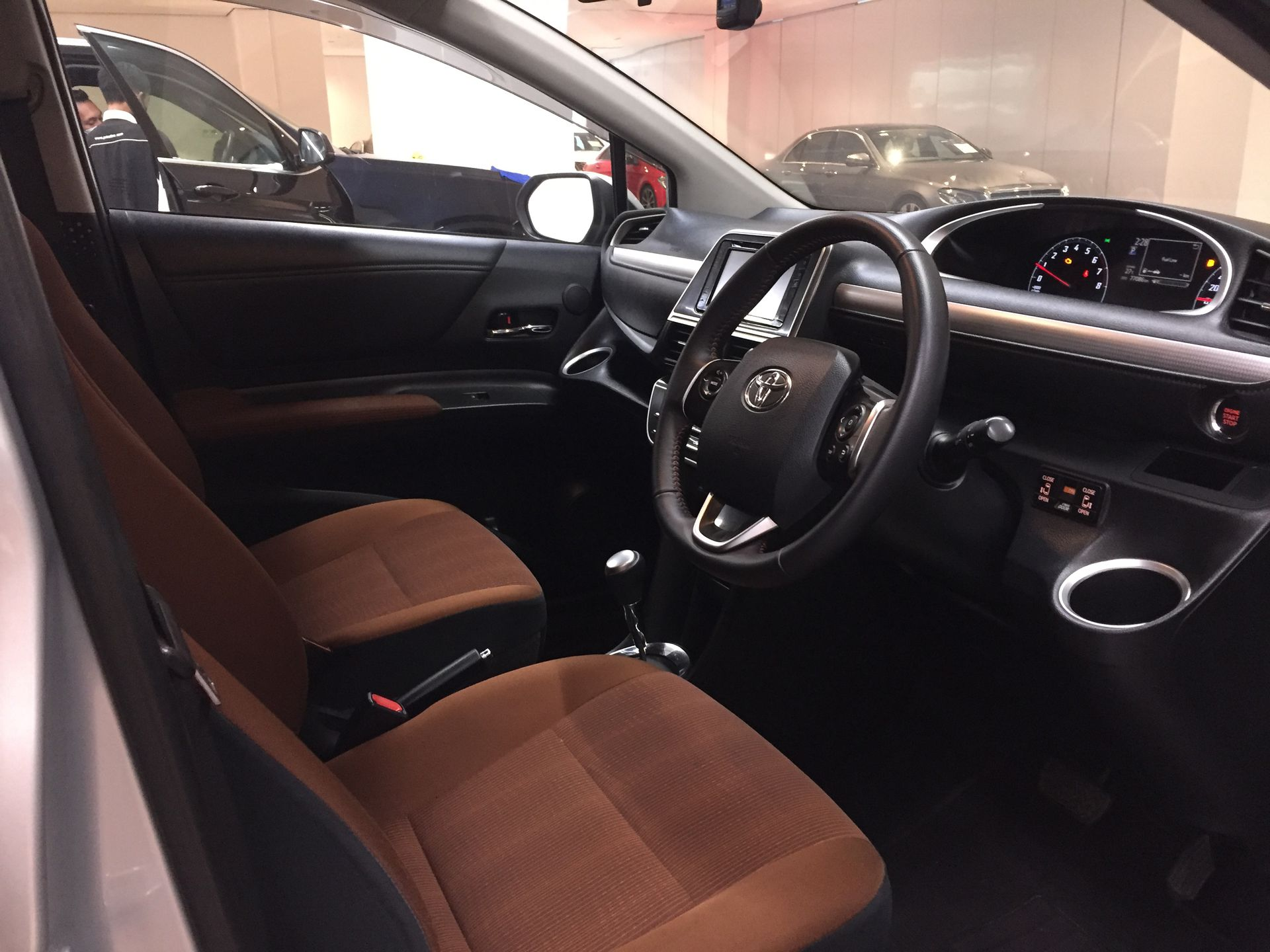 2016 Toyota Sienta 1.5V AT