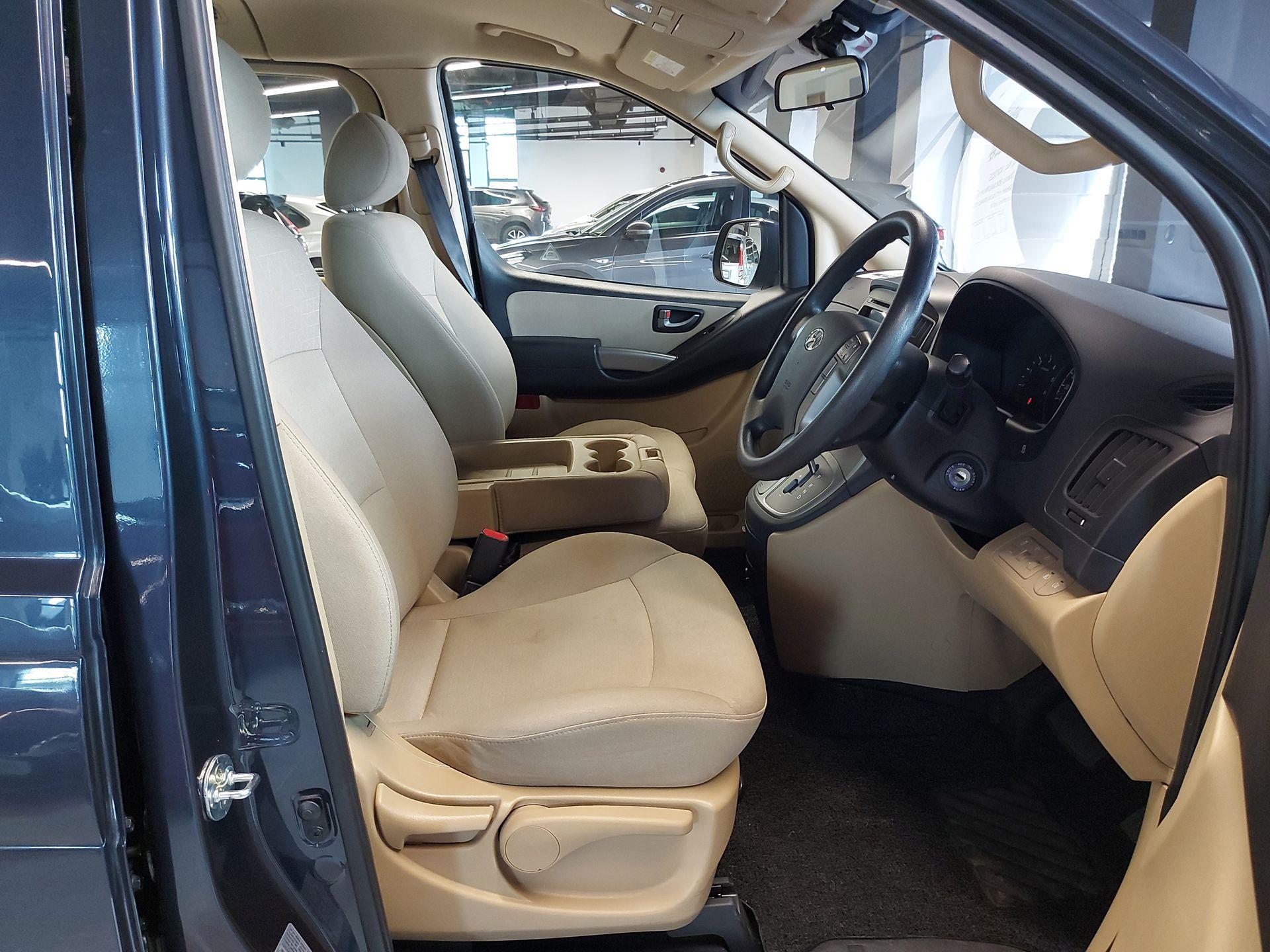 2018 Hyundai Grand Starex 2.5