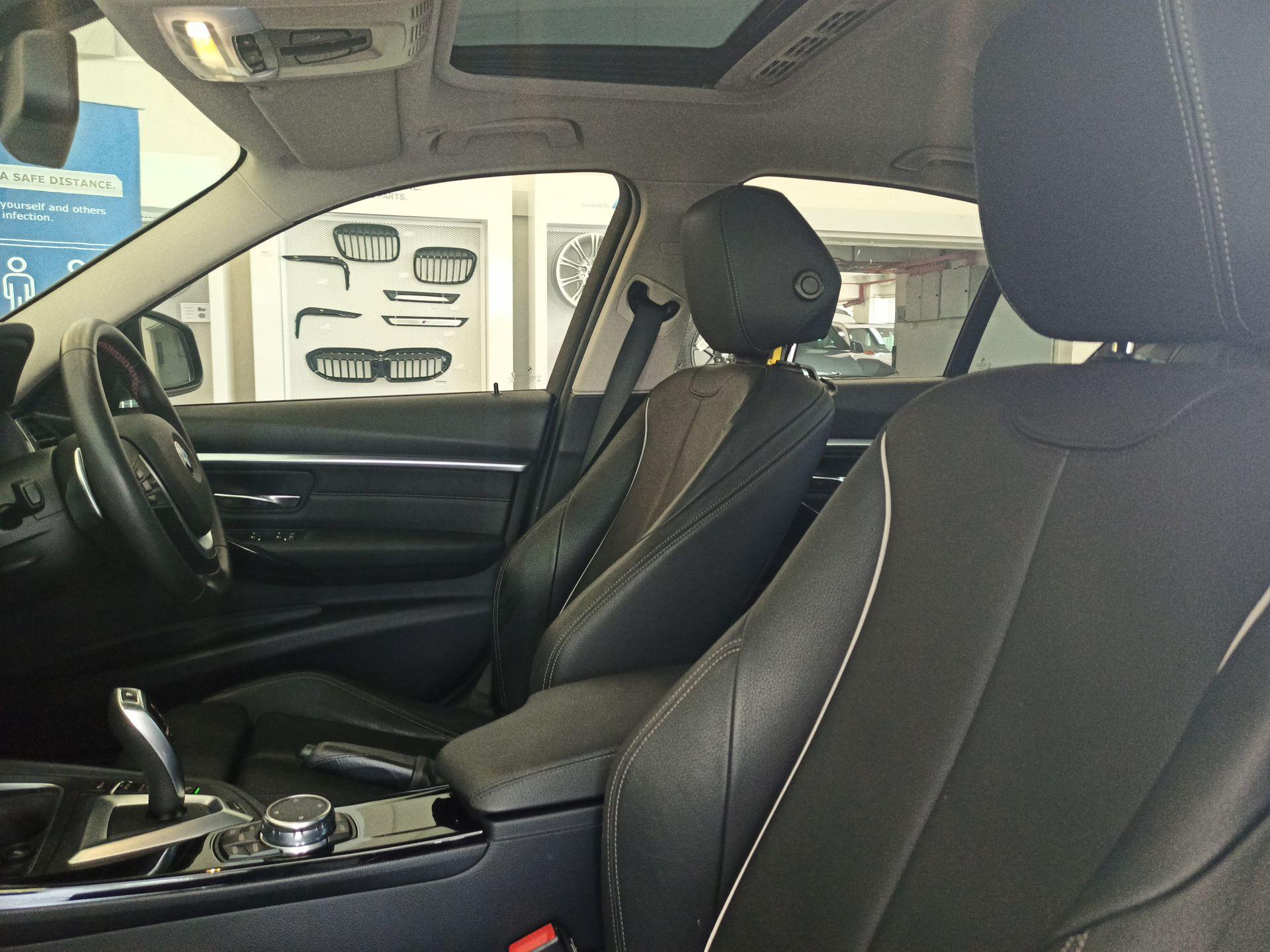 2016 BMW 330e Sport