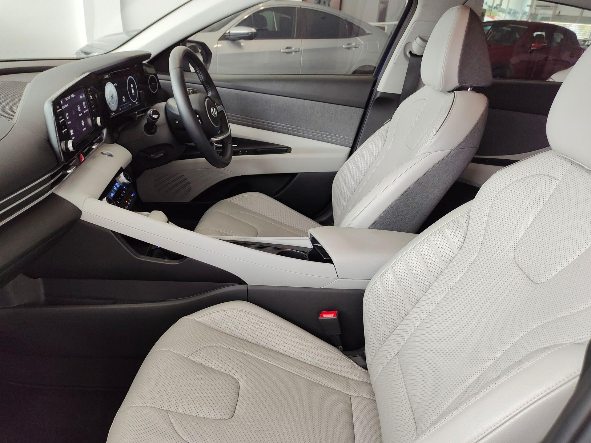 2020 Hyundai Elantra 1.6 Auto