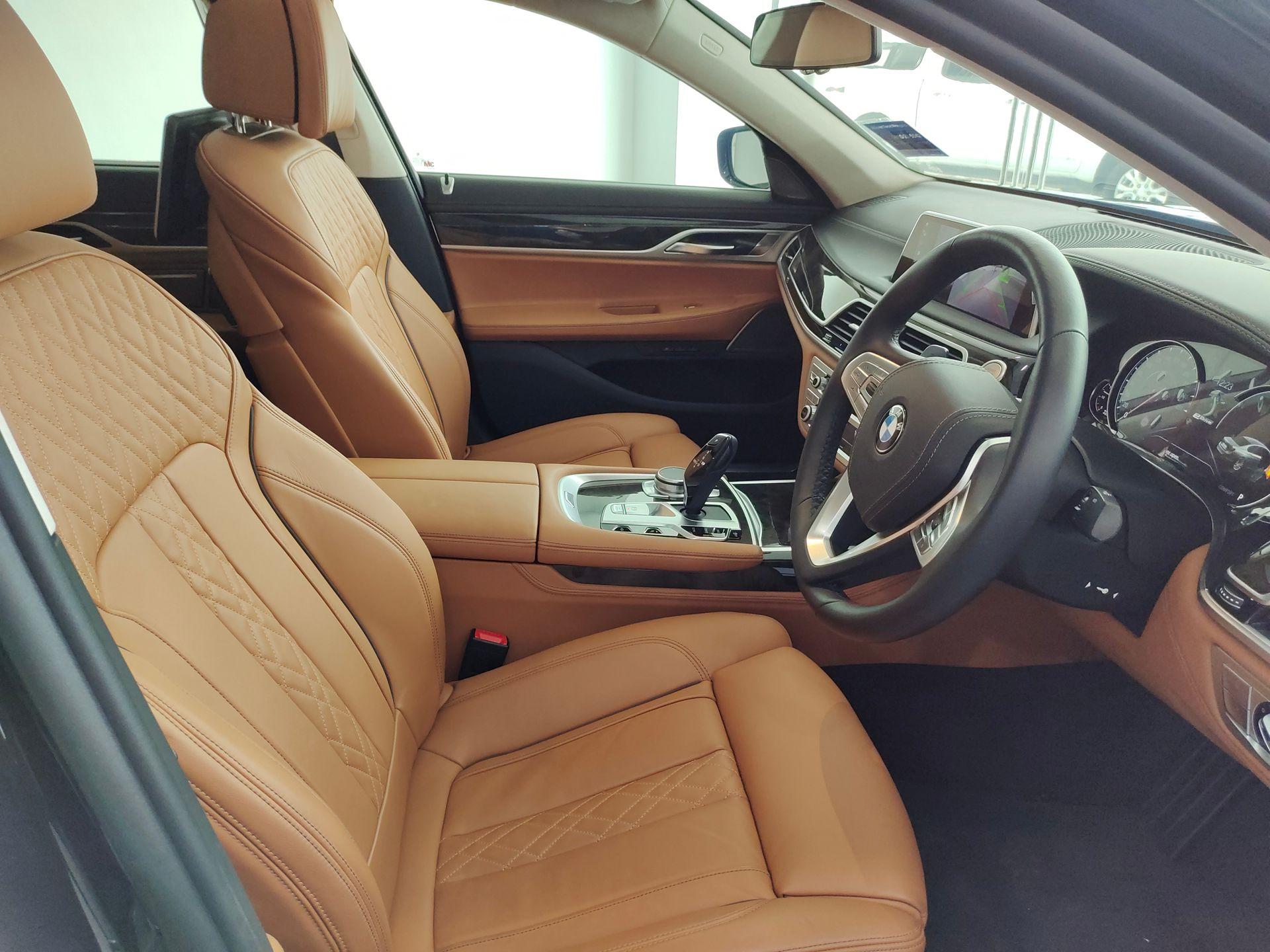 2019 BMW 740Le xDrive
