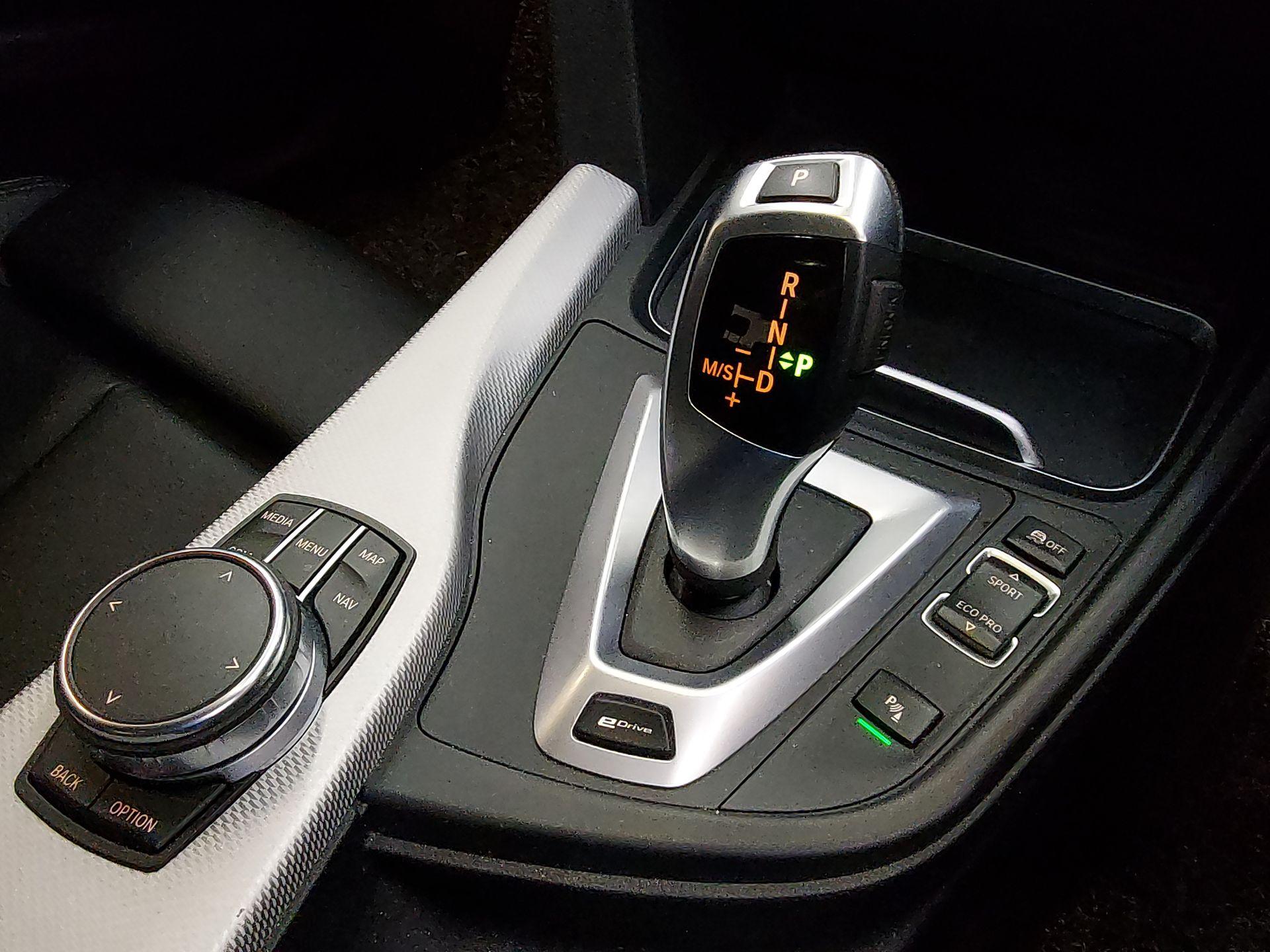 2018 BMW 330e Sport