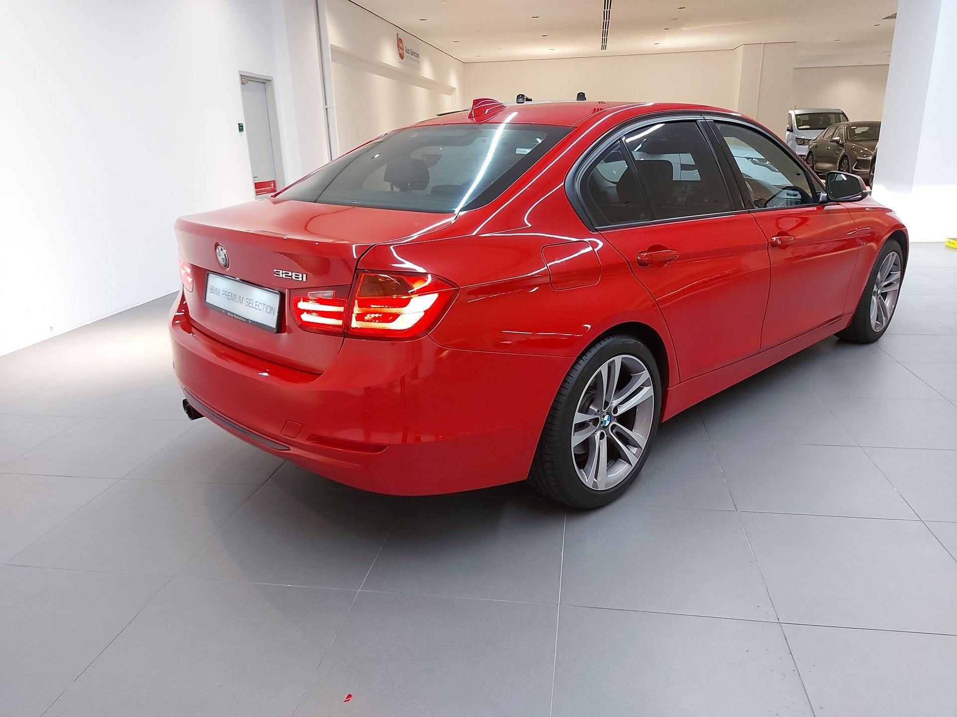 2012 BMW 328i Luxury