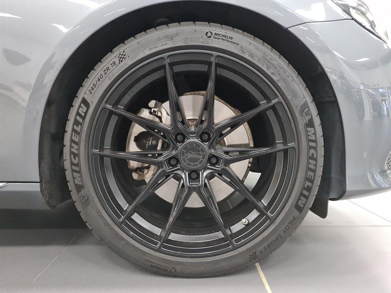 Mercedes Benz E250 AVG (R18 LED)