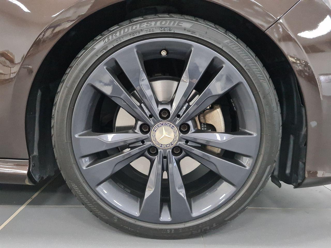 Mercedes Benz CLA180 (R18 BI)